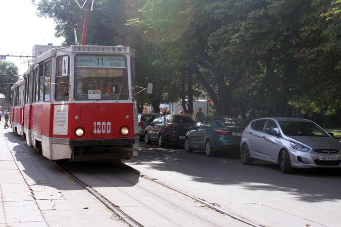 и троллейбусов в Саратове